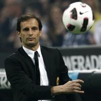 Милан уволни Масимо Алегри след резила в Сасуоло