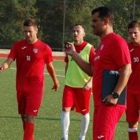 Веско и Митко оглавиха Втора лига със селски тим, 3 победи и 1 равен от началото