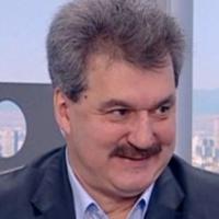 Батков плати 30 000 долара на Мъри Стоилов