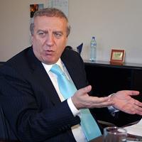 Разследват Костадинов за 150 000 евро комисионни