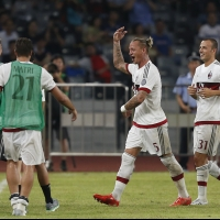 Уникален гол донесе победата на Милан срещу Интер (ВИДЕО)