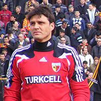 Иванков с цял мач при победа на Бурса