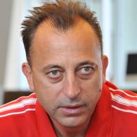 Венци Живков: Нося майтапите на мой гръб