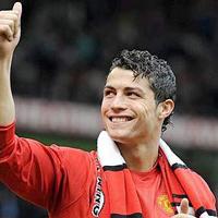 Роналдо очаквано стана футболен крал на Европа за 2008 година