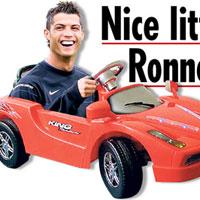 Подариха на Кристиано Роналдо кола на педали