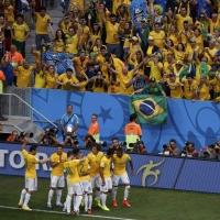 Бразилия отнесе Камерун (ВИДЕО)