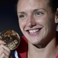 Катинка подобри трети световен рекорд в плуването