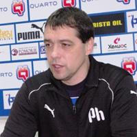 Хубчев не може да събере 18 за мача с Добруджа