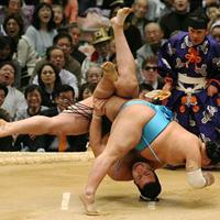 Калоян Махлянов започна с победа в Токио