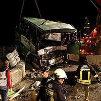 Автобус с фенове на Ювентус катастрофира, 2-ма загинали