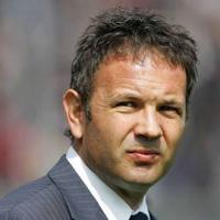 Синиша Михайлович стана треньор на Милан