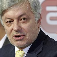 Валентин Михов изригна срещу  Домусчиев, Батков и Комбината