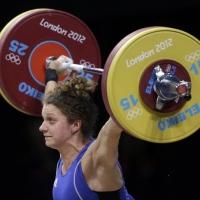 Милка Манева изпусна медал във вдигането на тежести до 63 кг