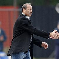 Емил Велев с проблеми в защита за мача в Сливен