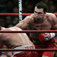 Владимир Кличко ще защитава и трите си титли