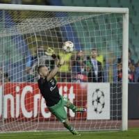 С полеви играч-вратар Лудогорец влезе в групите на ШЛ