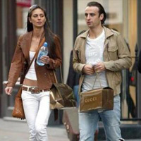 Хубавата Елена ще води Бербатов в Париж