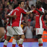 Фабрегас спаси Арсенал от нова загуба