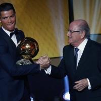 """""""Златната топка"""" е за Кристиано Роналдо"""