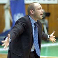Тити Папазов поема България до 10 дни