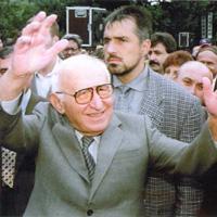 """""""Таймс"""": Между Димитър и Тевес има толкова общо, колкото между Живков и Евита Перон"""