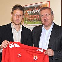Владо Манчев подписа с ЦСКА до края на сезона