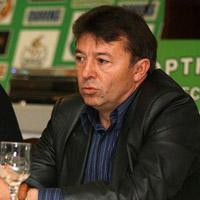 Дихонов скочи на Марков заради Ивелин Попов