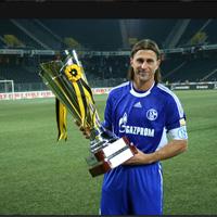 "Шалке, с Дяков титуляр, спечели ""OBI Cup 2009"""