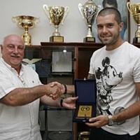 Божката Митрев започна да тренира с Левски