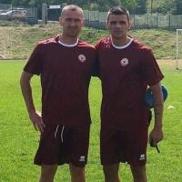 Данчо Юруков помага на Вальо Илиев