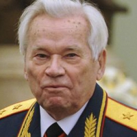 Почина легендарният генерал Михаил Калашников