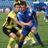 Иван Найденов излиза до линията, ще става треньор