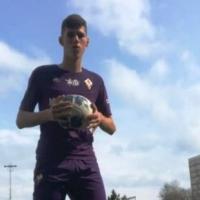 Димо Кръстев от Фиорентина тренира здраво в България и ходи на училище в Италия