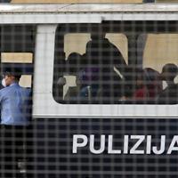 Полицията арестува футболист по време на мач в Малта