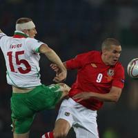 Уелс каца около 24 часа преди мача в София