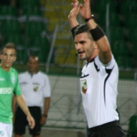Бивш футболист и манекен свири в Разград