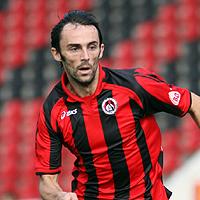 Богданович дебютира с гол при домакинска загуба на Барнзли
