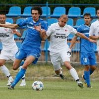 Левски започна с победа контролите