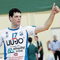 Гибона спечели българското дерби в Гърция