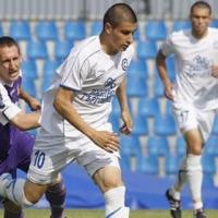 Шоколаров подписа със Славия за 3 години