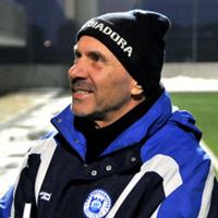 Георги Василев освободи четирима играчи