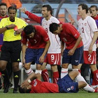 "Смешно съдийство ""уби"" Швейцария срещу Чили"