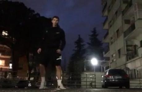 Алекс Кирилов изпрати намигване от Козенца
